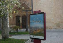 Orihuela promociona su imagen de destino en el mobiliario urbano y mejora la señalética turística
