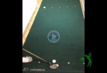 Vicente Cordero cambia el wedge por el putt en un reto en el que combina el golf con las carambolas