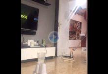 ¡Soberbio! V. Cordero usa un secador de pelo como tee, con la bola flotando a un palmo del suelo