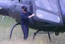 Tom Cruise sorprende a los jugadores de Richmond al aterrizar en helicóptero en la calle del 9
