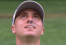 Thomas se quedó con esta cara al ver su bola situarse cerca del hoyo tras rebotar en el mástil