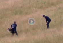 Nacho Elvira sacó un birdie imposible desde lo más profundo del rough en el Wales Open ¡Increíble!