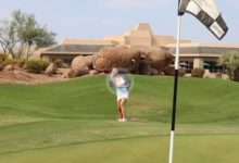 Paige Spiranac, la Kournikova del Golf, reina de las RRSS, nos enseña la forma de realizar un Flop Shot