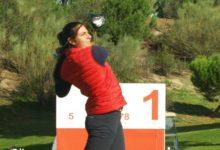 Carolina López-Chacarra, lidera el Circuito Nacional en Golf Santander a base de birdies: 67 golpes (-6)