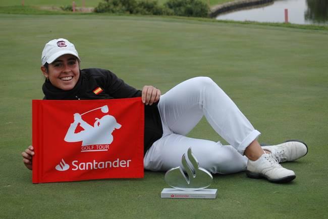 La amateur Ana Peláez se impone a las «Pros» en el Santander Golf Tour Madrid celebrado en Boadilla