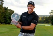 Phil Mickelson firma el dos de dos en el Champions Tour con un triunfo incontestable en Virginia