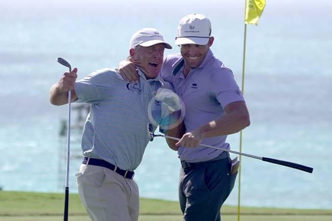 Funk es historia en el PGA. Es el 4º jugador en pasar el corte con más de 64 años gracias a este gran chip
