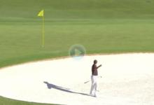 Tiger nos brindó este golpe espectacular desde la arena que se quedó a centímetros del eagle
