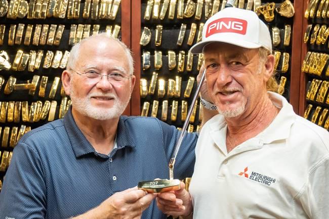 John Solheim y Miguel Angel Jimenez putt oro