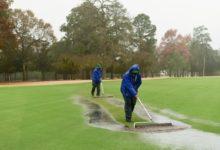 La emoción durará un día más en el US Women's Open: las lluvias posponen la ronda al lunes