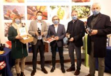 Carlos Mazón, presidente de la Diputación de Alicante, anima a consumir productos autóctonos