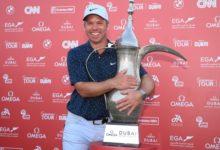 Paul Casey reina en Dubái en un difícil día para los números bajos. Sergio y Arnaus, grandes Top 10