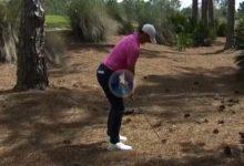 Rory se sacó un birdie de la chistera después de visitar la pinaza tras un mal golpe desde el tee
