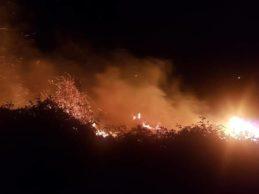 Susto en el RCG Pedreña tras un aparatoso incendio en un anexo del campo de golf del Gran Ballesteros