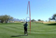 Jon Rahm puso su marca con este golpazo en el 9 de Scottsdale. Jugó desde 126 metros y la dejó a uno