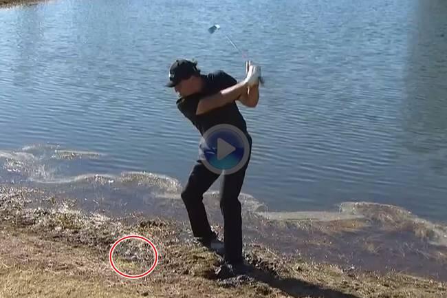 Mickelson obró el milagro en Florida jugando con los pies hundidos en el barro ¡Vaya birdie del zurdo!