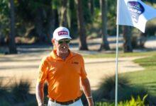 Un incombustible Jiménez se mete en la lucha por el triunfo en el Chubb tras otra gran ronda de golf