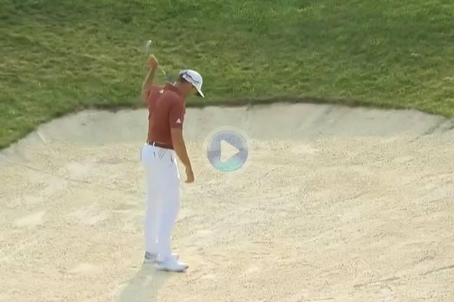 Sergio dio una clase magistral de como jugar desde el bunker. Llevó la bola al agujero desde la arena