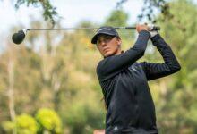 Clara Moyano, líder incontestable en el Real Club de Golf de La Coruña tras firmar 69 golpes (-3)